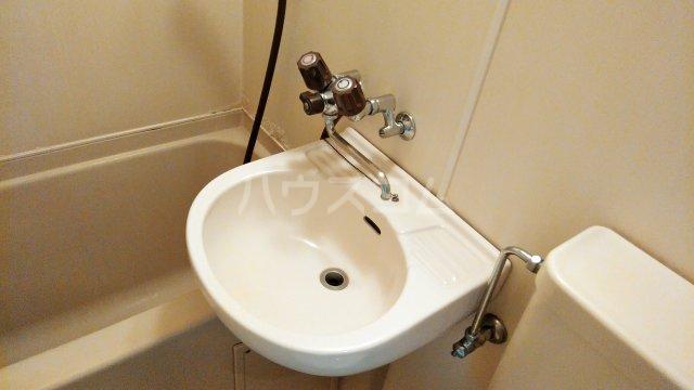 サンパレス湘南 103号室の洗面所