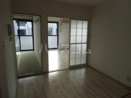 サントビーヒルズA 101号室のリビング