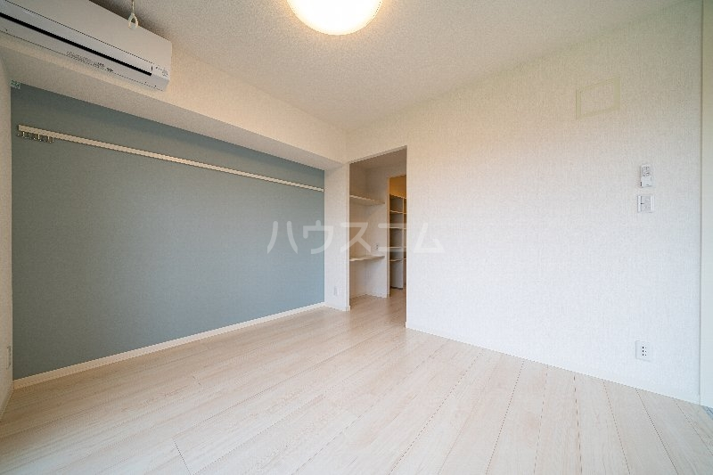 Gargantua S号室のベッドルーム