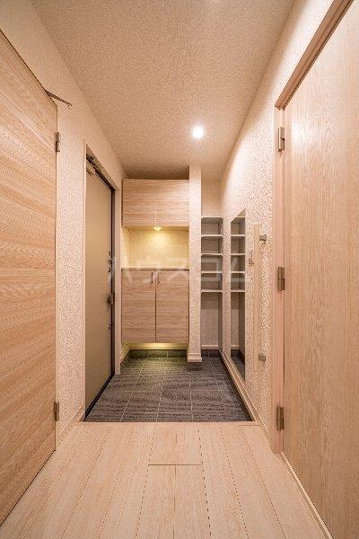 Gargantua S号室の玄関
