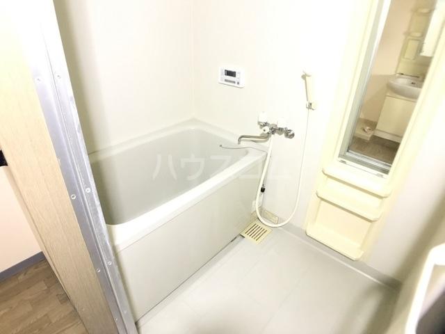 ベル ヴュー 206号室の風呂