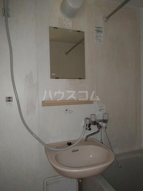 コンフォート北国分Ⅰ 103号室の洗面所