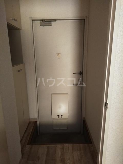 コンフォート北国分Ⅰ 103号室の玄関