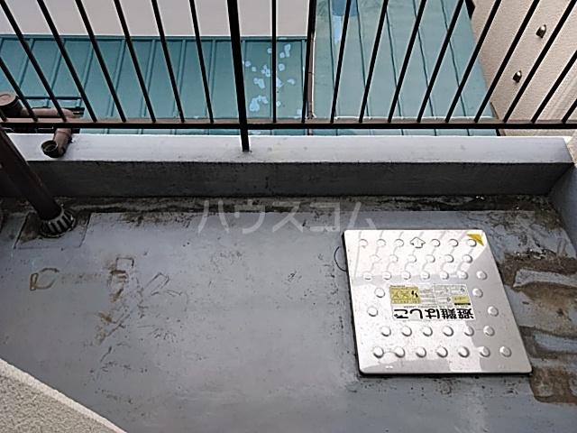 佐川コーポ 302号室のバルコニー