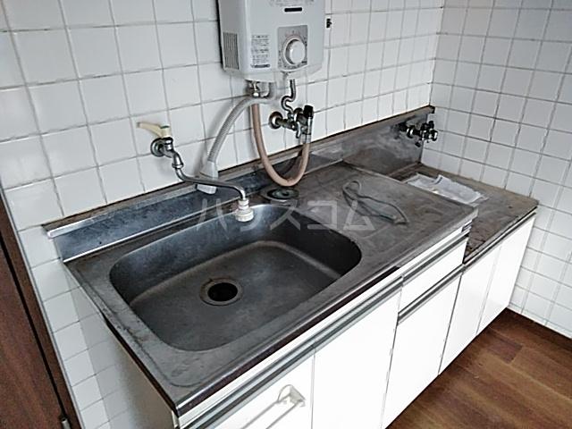 佐川コーポ 302号室のキッチン