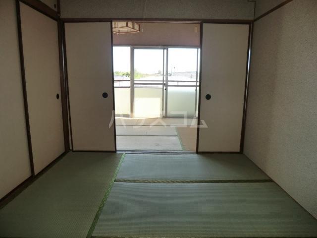 田中マンション 304号室のリビング