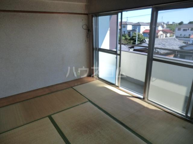 田中マンション 304号室のベッドルーム