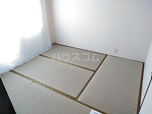 メゾン溝呂木 404号室のベッドルーム