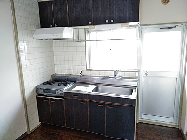 メゾン溝呂木 404号室のキッチン