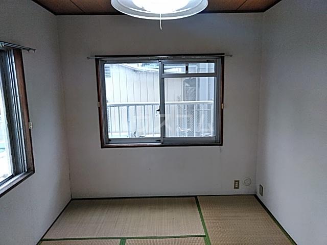 メゾン溝呂木 101号室のベッドルーム