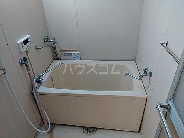 メゾン溝呂木 101号室の風呂