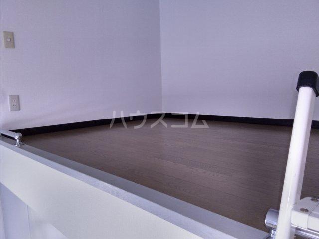 小高ハウス 205号室のベッドルーム