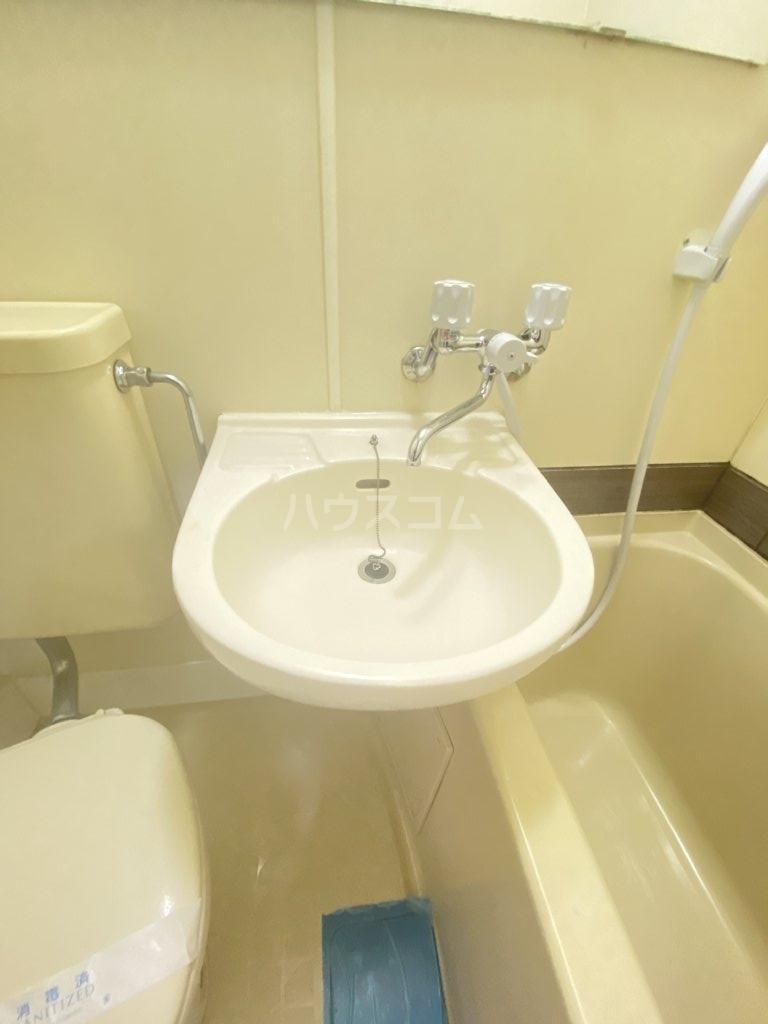 ロフティ初石 101号室の洗面所
