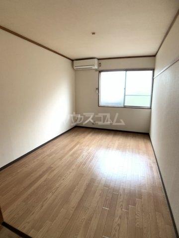 コーポ福伸 67号室のリビング