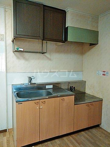 ライトタウン宮久保C棟 105号室のキッチン