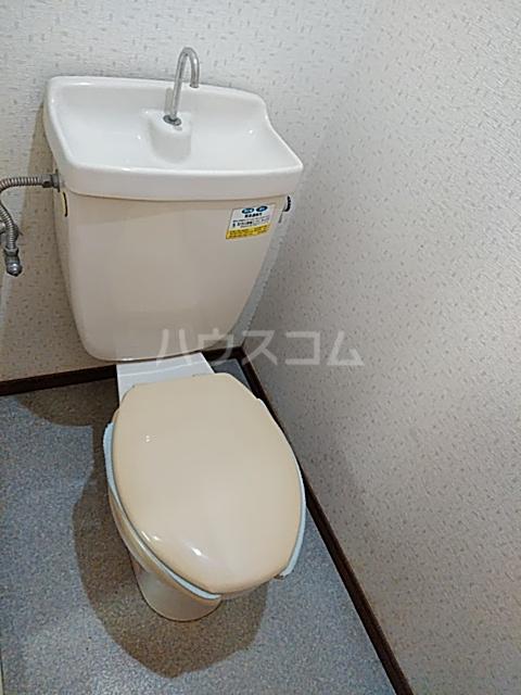 ライトタウン宮久保C棟 105号室のトイレ