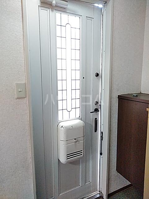 ライトタウン宮久保C棟 105号室の玄関