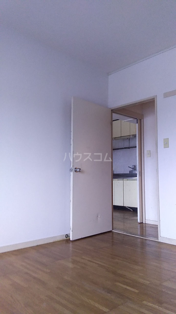 富士スカイハイツ 701号室のリビング