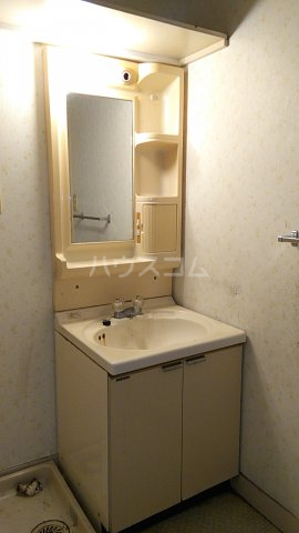 富士スカイハイツ 701号室の洗面所