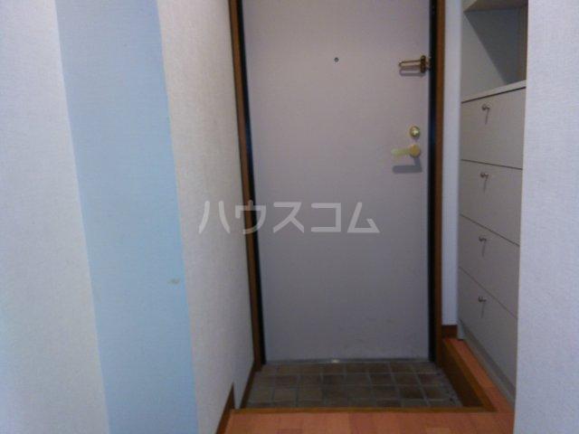 茅ヶ崎サザンビル 502号室の玄関