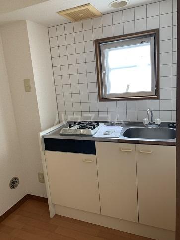 茅ヶ崎サザンビル 502号室のキッチン