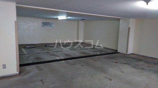 サンピア平塚 203号室の駐車場