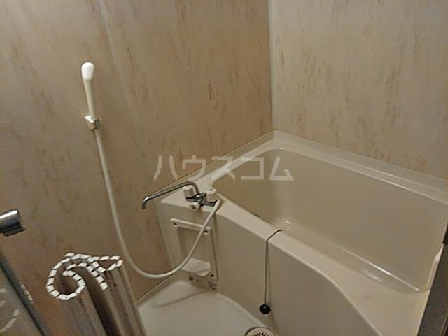 エスプリⅢ 102号室の風呂
