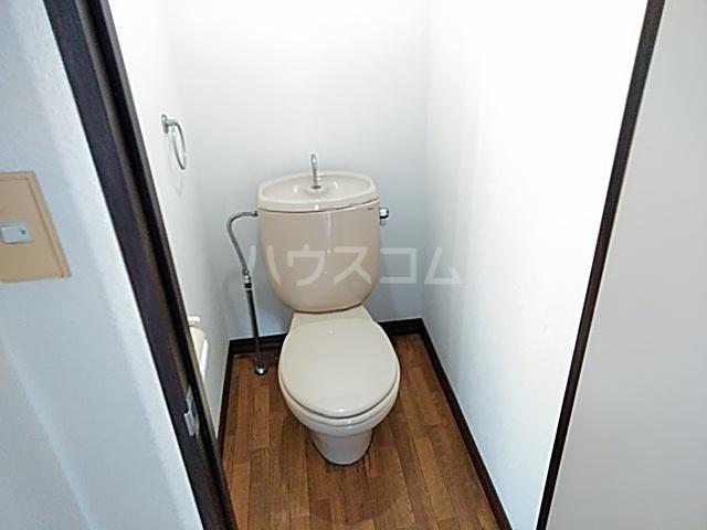 カーサやよいA 202号室のトイレ