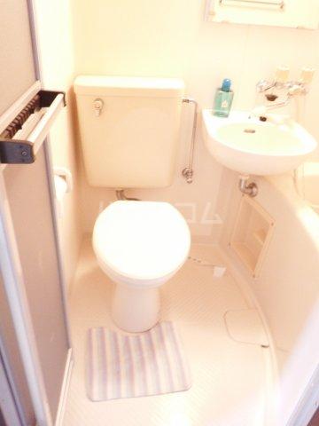 アルファネクスト上本郷 106号室のトイレ