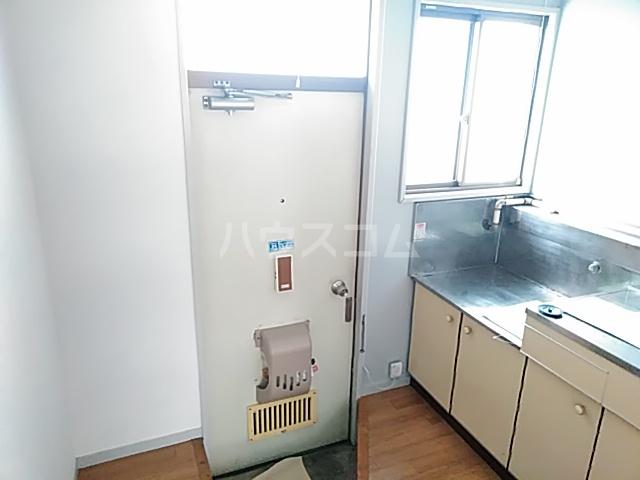 コーポコジマA棟 206号室の玄関
