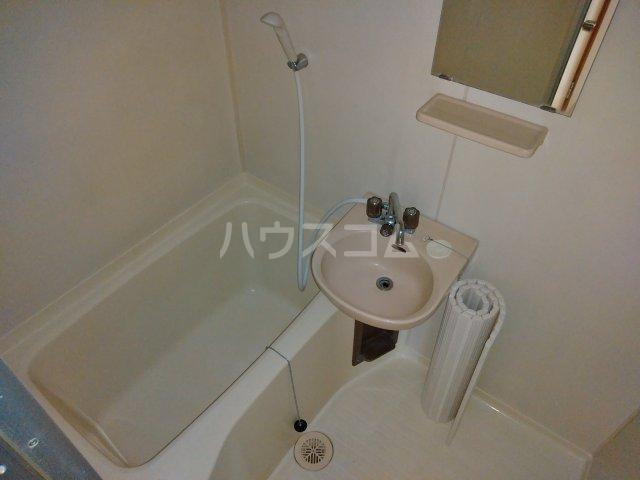 ハイツアドニスB 202号室の風呂
