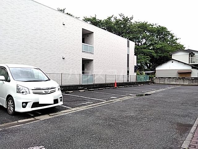 ハイツハーベスト 303号室の駐車場