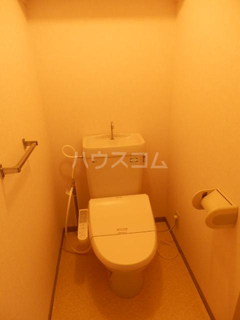 ジャスティス 2番館 106号室のトイレ