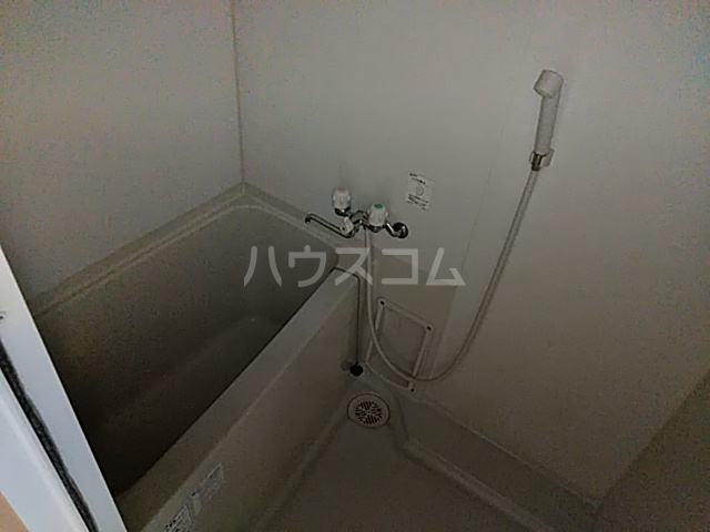 リバーハイツカトウ 201号室の風呂