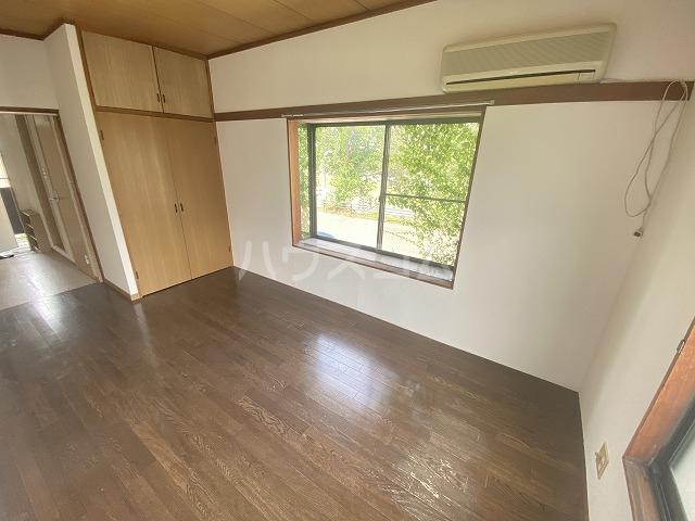 リバーハイツカトウ 201号室のベッドルーム