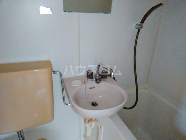G.Oハイム江戸川台 103号室の洗面所