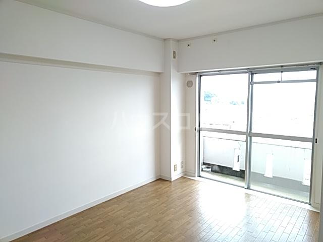 青木ハイツ 505号室の居室