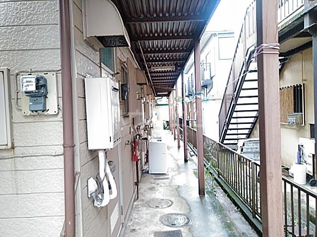 ガーデンバレー21 101号室の玄関