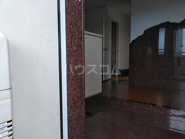 ダイアパレス本厚木 1202号室の玄関