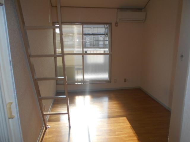 ガーデンバレー21 207号室のリビング