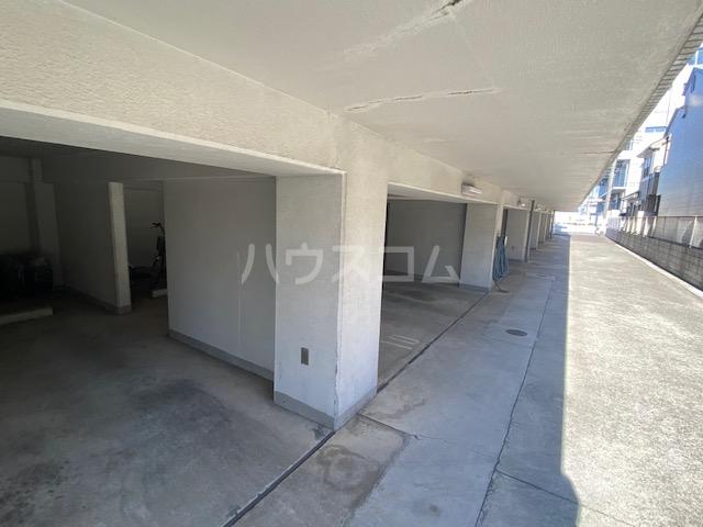 メゾン・ド・ヴァルセ 0411号室の駐車場