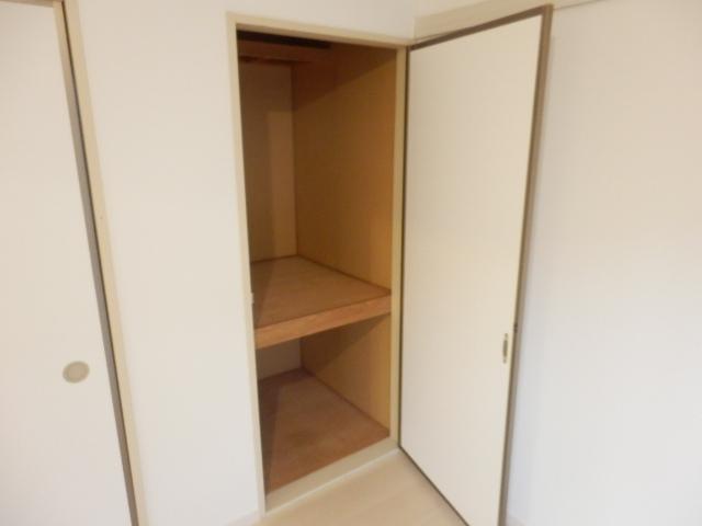 ハヤマハイムⅡ 202号室の収納