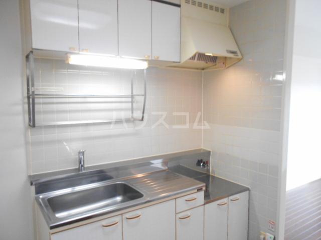 ヴェルジェ山口 104号室のキッチン