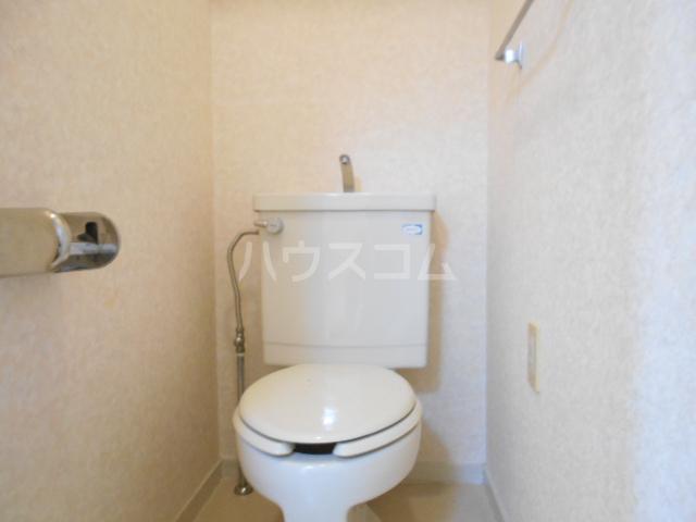 ヴェルジェ山口 104号室のトイレ