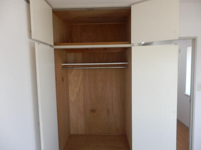 マンションサーパス 302号室の収納