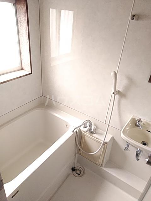 シャルム内海 202号室の風呂