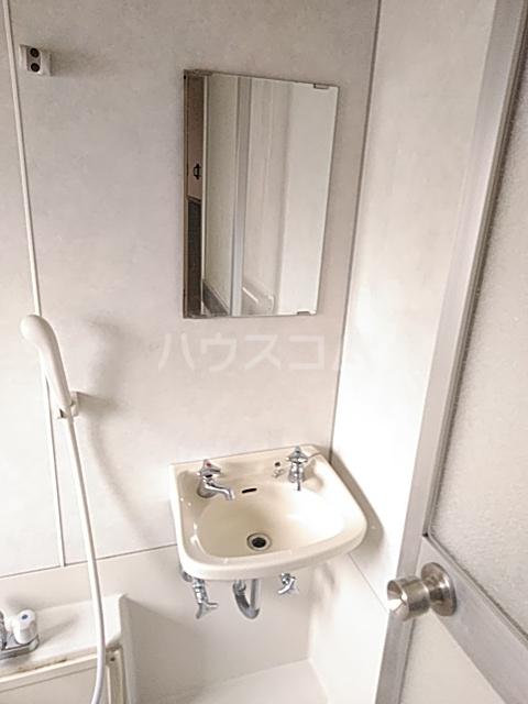 シャルム内海 202号室の洗面所
