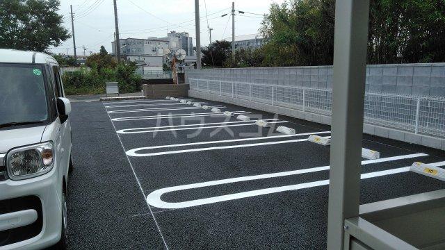 Casa Arietta 101号室の駐車場
