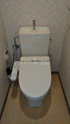 ローヤルシティ白岡 1103号室のトイレ