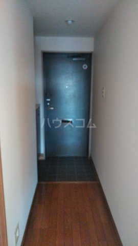 ローヤルシティ白岡 1103号室の玄関